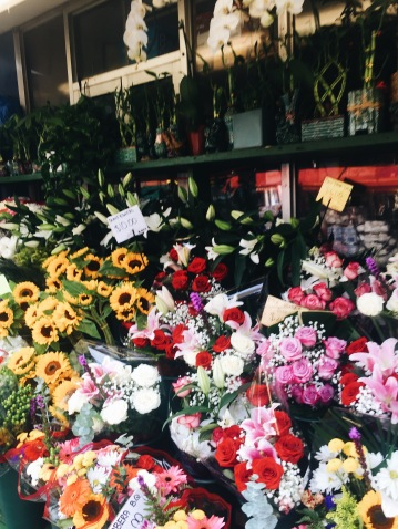 Forever in love with bodega flowers <3